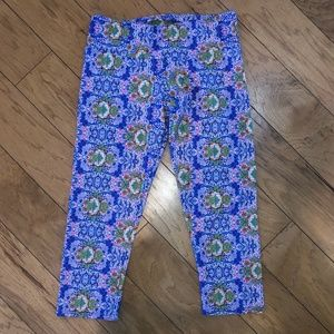 Onzie Floral High Rise Capri Leggings